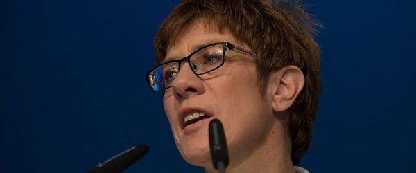 Annegret ante portas: Warum Merkels Abgang keine Wende bringen wird